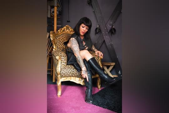 Profilbild von LADY RONJA